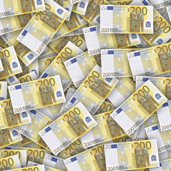 200 Euro 22