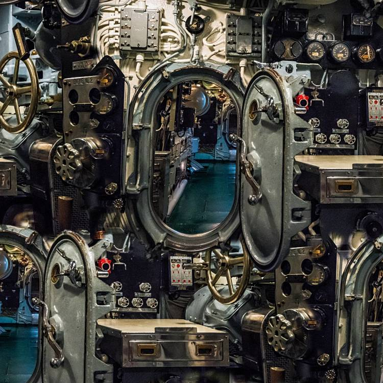 Submarine-Interior-thumb